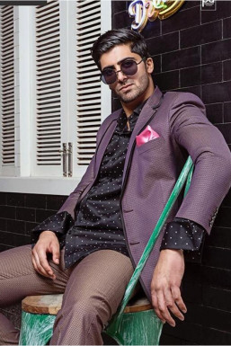 Dazzlerr - Umaid Khan Model Srinagar