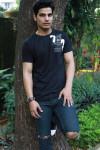 Dazzlerr - Ravi Anand Model Chapra