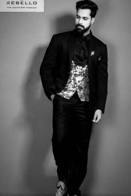 Anurag Tomar - Model in Mumbai | www.dazzlerr.com