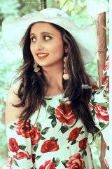 Dazzlerr - Divya Model Chandigarh