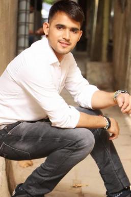 Dazzlerr - Manish Mishra Model Mumbai