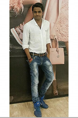 Vijay Shinde - Makeup Artist in Mumbai | www.dazzlerr.com