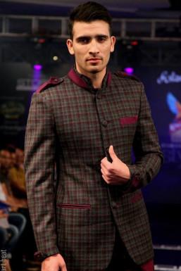 Abid Hussain Wani - Model in Pune | www.dazzlerr.com