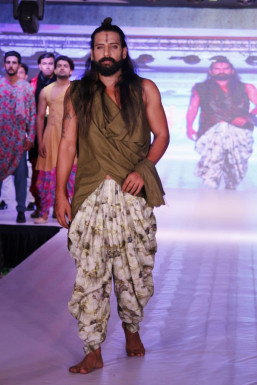 Dazzlerr - Nitin Bhardwaj Model Delhi