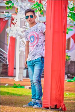 Dazzlerr - Atishay Yadav Model Agra