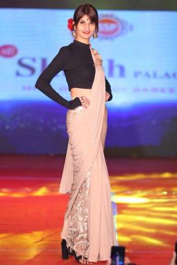 Dazzlerr - Prachi Pandey Model Patna