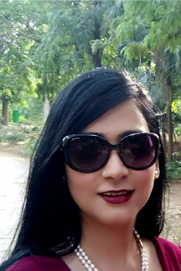 Dazzlerr - Priya Jain Model Delhi