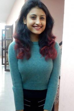 Dazzlerr - Kanika Lakhani Model Gurgaon