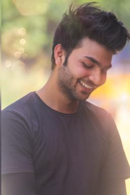 Dazzlerr - Nawaj Alam Model Chandigarh
