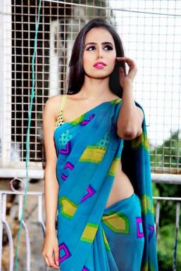 Dazzlerr - Reet Pathania Model Chandigarh