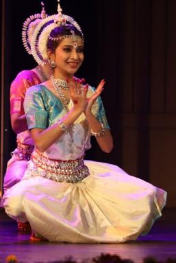 Upakshi  N Dancer - Dancer in Delhi   www.dazzlerr.com
