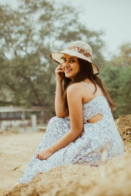 Dazzlerr - Himanshi Chawla Model Ludhiana