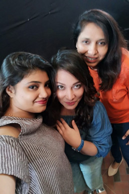 Amreen Huda - Makeup Artist in Mumbai | www.dazzlerr.com
