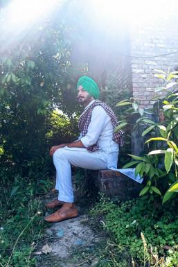 Karan Singh Model Pathankot