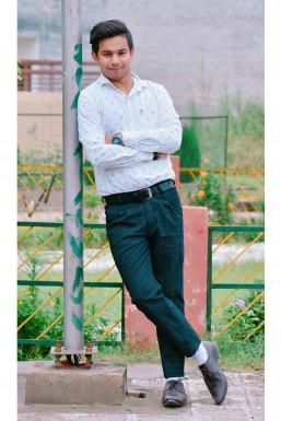 Dazzlerr - Lav Ish Model Chandigarh