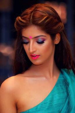 Dazzlerr - Kimaya Kalra Model Mumbai