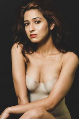 Kavita Tickoo Model Pune