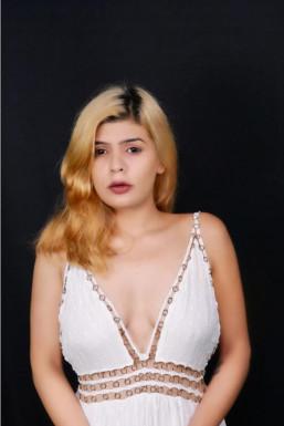 Dazzlerr - Sakshi Beniwal Model Delhi