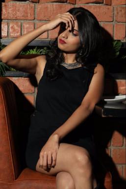 Roshni Thakur Model Mumbai