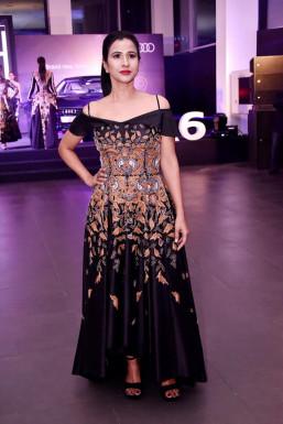 Shakhi Debnath - Model in Delhi | www.dazzlerr.com