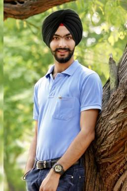 Dazzlerr - Harmandeep Singh Model Bhalswa Jahangir Pur