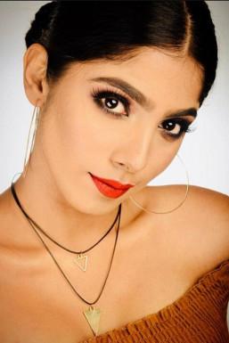 Aanya Dewan - Model in Delhi | www.dazzlerr.com