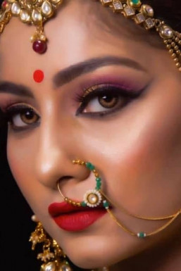 Vishakha Mohite - Model in Mumbai | www.dazzlerr.com