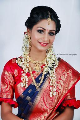 Dazzlerr - Vishakha Mohite Model Mumbai