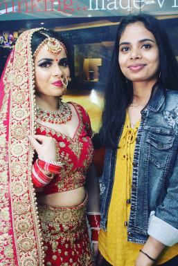 Anamika Krishna - Makeup Artist in Delhi | www.dazzlerr.com