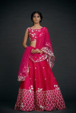 Dazzlerr - Pooja Vaid Model Delhi