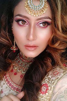 Sonam Lavangare - Model in Delhi   www.dazzlerr.com
