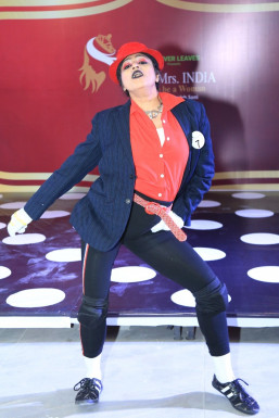 Dazzlerr - Priyanka Roy Model Delhi