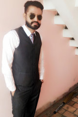 Dazzlerr - Deepak Bindra Model Chandigarh