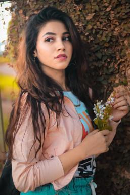 Dazzlerr - Zaami Dahelvi Model Thane