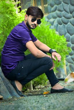 Dazzlerr - Vivek Rajak Model Sagar Cantt.