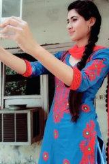Dazzlerr - Mandeep Kaur Model Chandigarh