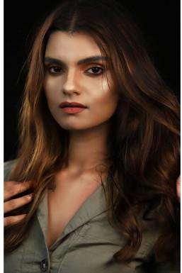 Dazzlerr - Simone Chhabda Model Mumbai