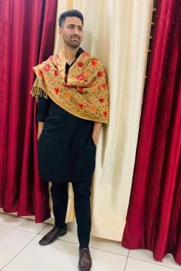 Dazzlerr - Viraaj Dhillon Model Chandigarh