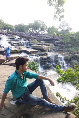 Dazzlerr - Yash Kesharwani Model Jabalpur