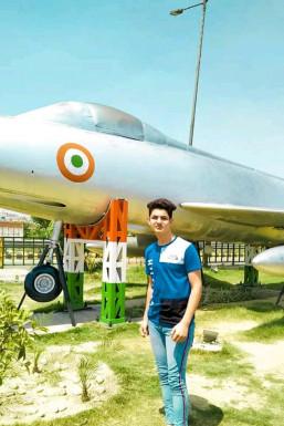 Dazzlerr - Ujjwal Tyagi Model Ghaziabad