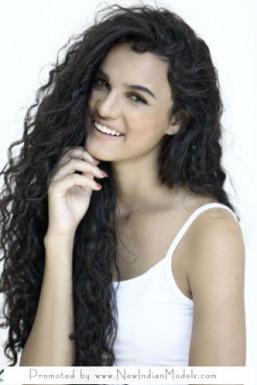 Dazzlerr - Ana Model Delhi