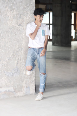 Ikram Ameen - Model in    www.dazzlerr.com