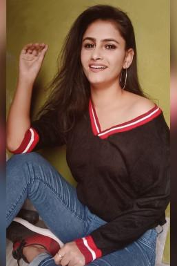 Dazzlerr - Rashmi Khurmi Model Bathinda