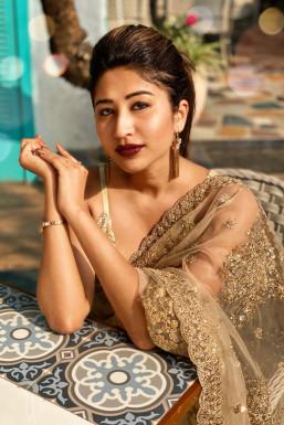 Dazzlerr - Nikita Londhe Model Mumbai