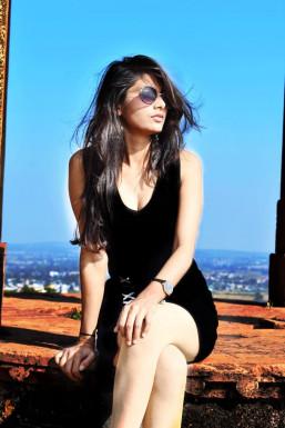 Dazzlerr - Prity Mishra Model Bhopal