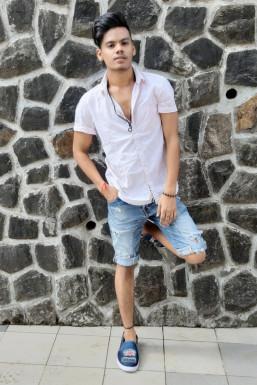 Akash Chaudhary Dancer Surat