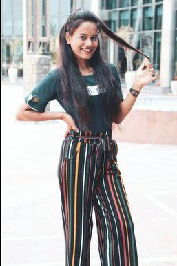 Dazzlerr - Sakshi Model Dwarahat