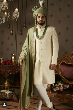 Yuvraj Jain - Actor in Karjan | www.dazzlerr.com