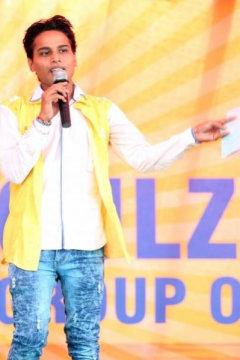 Divya Prakash - Anchor in Chandigarh | www.dazzlerr.com