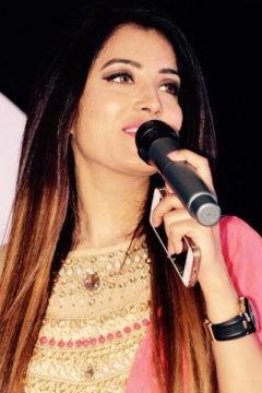 Naina Anchor Chandigarh